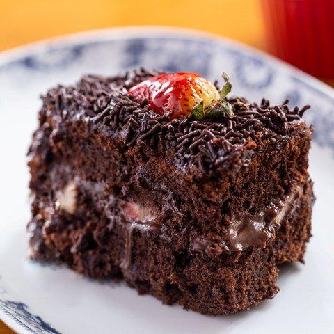 bolo-chocolate-com-Morango.jpg